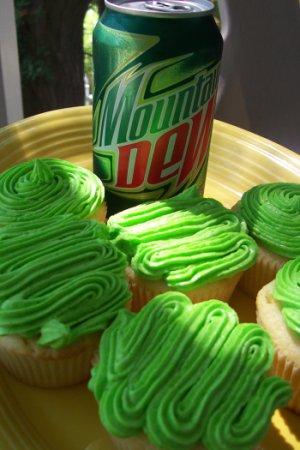 mountaindewcupcakes1.jpg